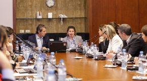 Mesa Redonda: Seguro para Mujeres